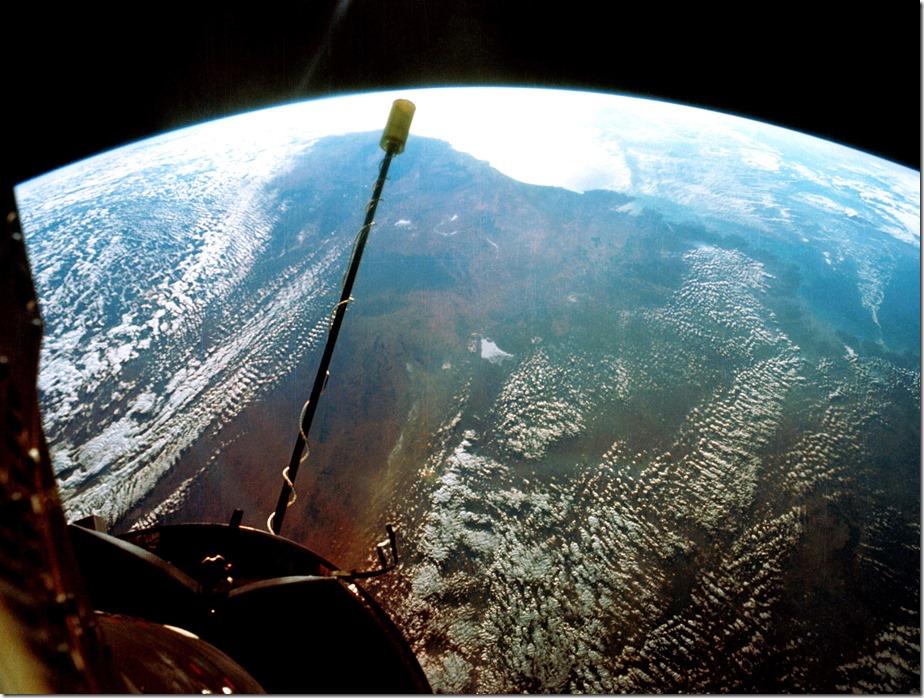 850 miles up 7-s66-54706-b